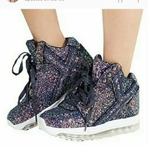 YRU Quozmo Aiire light up sneakers